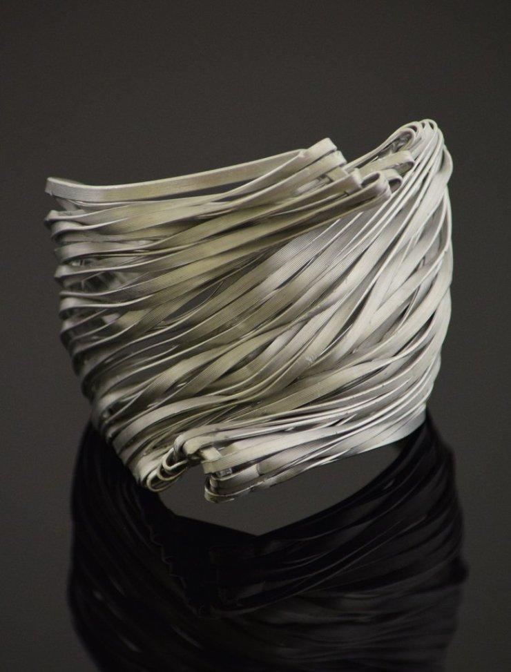 Handmade-Sculptoral-Steel-Bracelet_01_1024x1024
