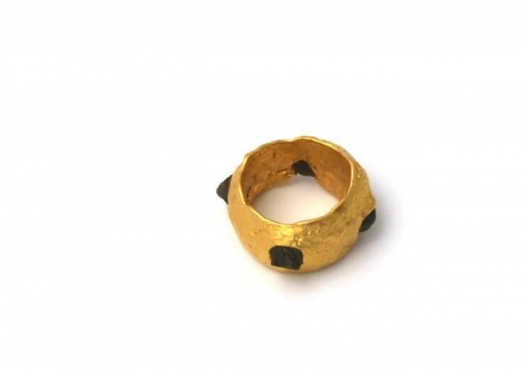 fast ASHANTI, ring, 2003, 24k, rough diamonds